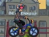 Bisiklet Süren Çocuk