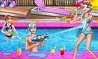 Elsa ve Anna Havuz Eğlencesi