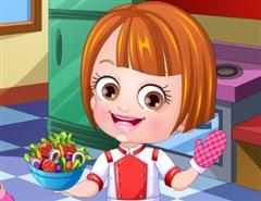 Hazel Bebek Aşçı Oluyor
